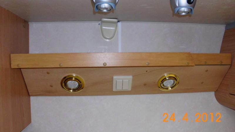 ablage ber dem bett oder seitlich wie macht ihr das wohnmobil forum seite 4. Black Bedroom Furniture Sets. Home Design Ideas