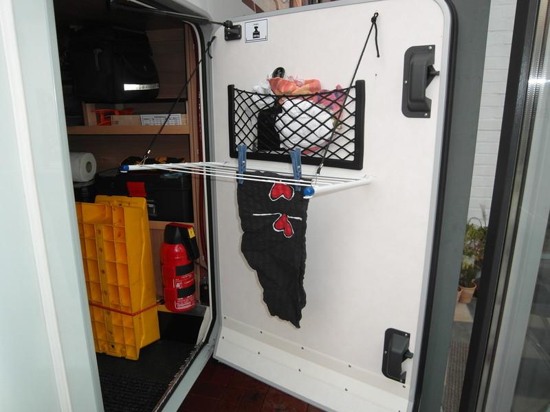 ordnung in der heckgarage wohnmobil forum seite 1. Black Bedroom Furniture Sets. Home Design Ideas