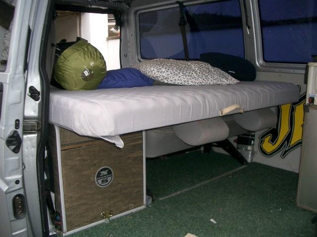 ausbau t5 mit fenstern suche ideen wohnmobil forum seite 1. Black Bedroom Furniture Sets. Home Design Ideas
