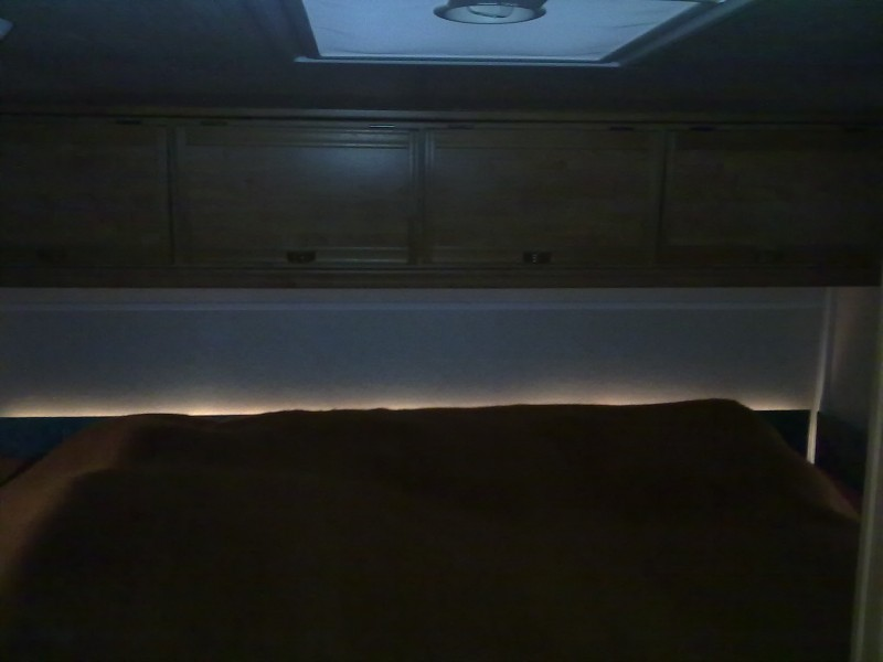 led streifen f r indirekte beleuchtung bzw in schr nken wohnmobil forum seite 1. Black Bedroom Furniture Sets. Home Design Ideas