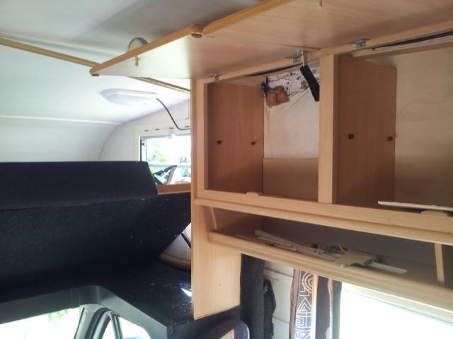 wasserschaden im dach eura 695 vb wohnmobil forum seite 1. Black Bedroom Furniture Sets. Home Design Ideas