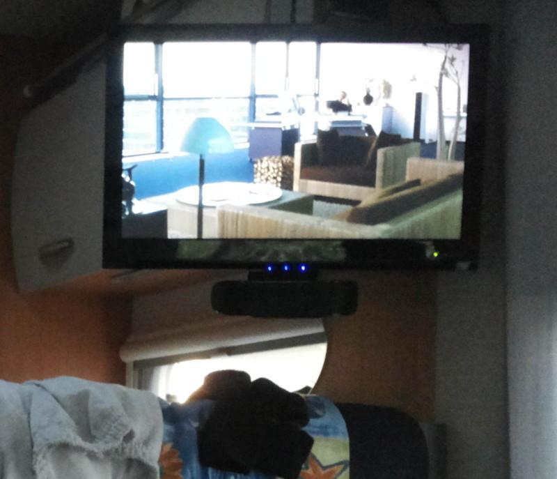 welche zusatzlautsprecher f r fernseher wohnmobil forum seite 2. Black Bedroom Furniture Sets. Home Design Ideas