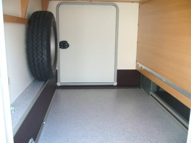 ersatzrad in der garage wohnmobil forum. Black Bedroom Furniture Sets. Home Design Ideas