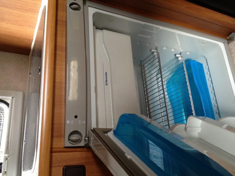 kühlschrank türanschlag wechseln?  wohnmobil forum ~ Kühlschrank Türanschlag Wechseln