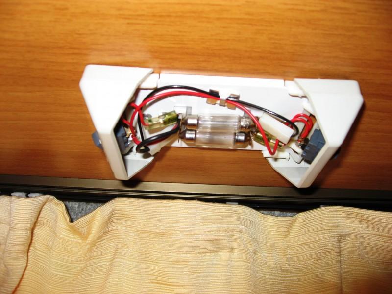 lampen austauschen gegen led wohnmobil forum seite 1. Black Bedroom Furniture Sets. Home Design Ideas