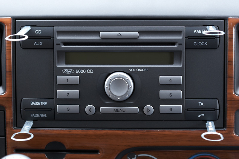 ford transit radio cd 6000 und originale radkappen. Black Bedroom Furniture Sets. Home Design Ideas