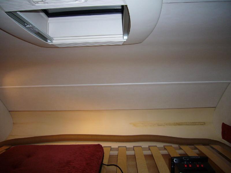 kondenswasser im alkoven wohnmobil forum seite 1. Black Bedroom Furniture Sets. Home Design Ideas