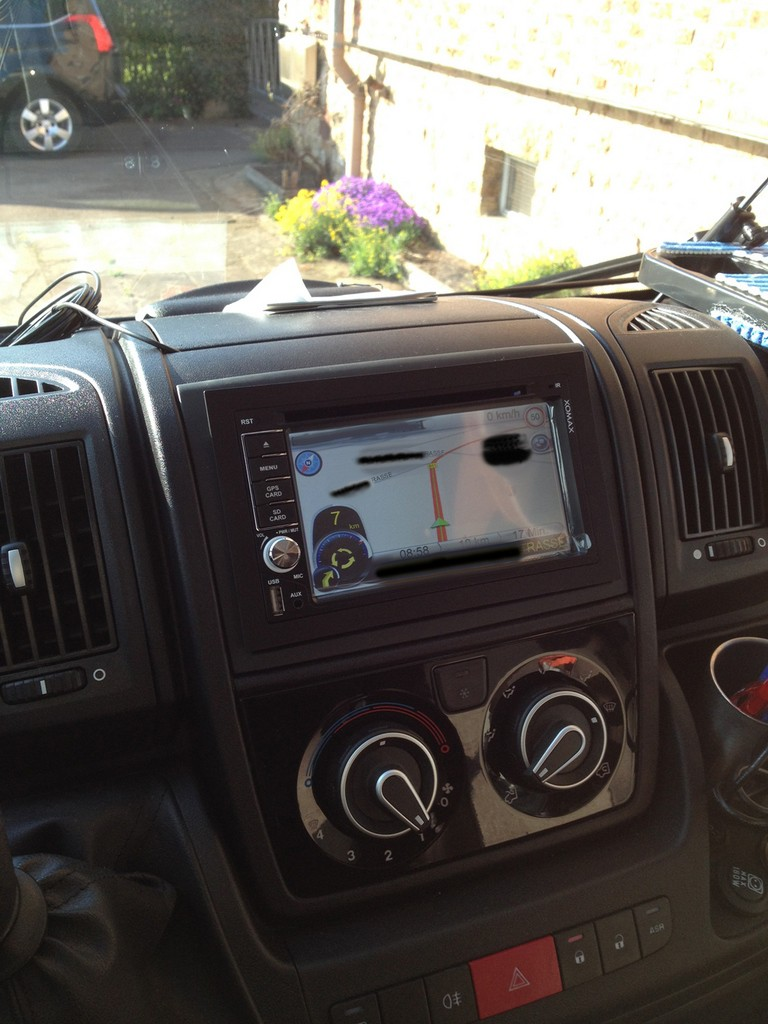 doppel din radio mit 7 39 monitor im fiat x250 wohnmobil forum. Black Bedroom Furniture Sets. Home Design Ideas