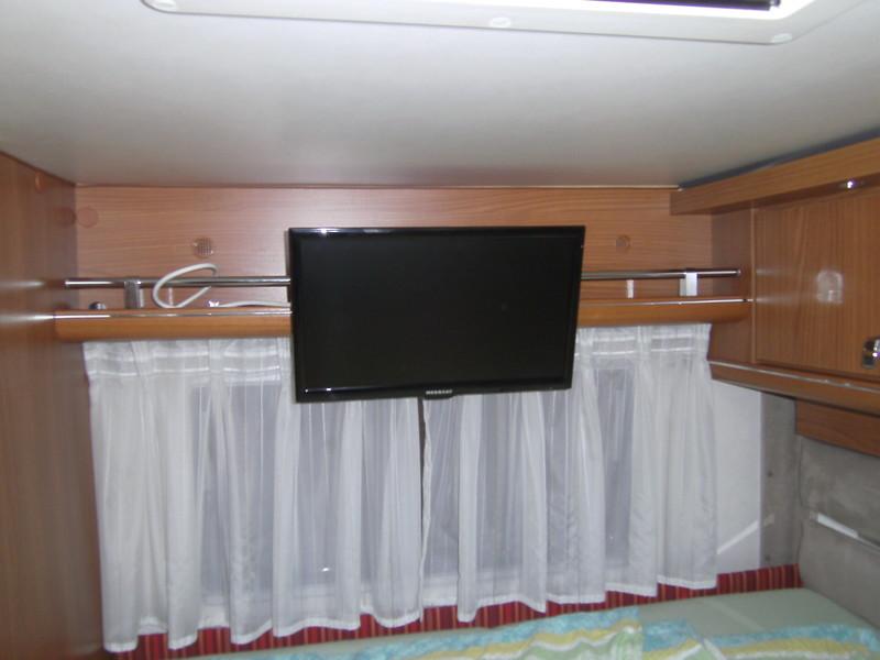 zweites fernsehen einbauen wohnmobil forum seite 2. Black Bedroom Furniture Sets. Home Design Ideas