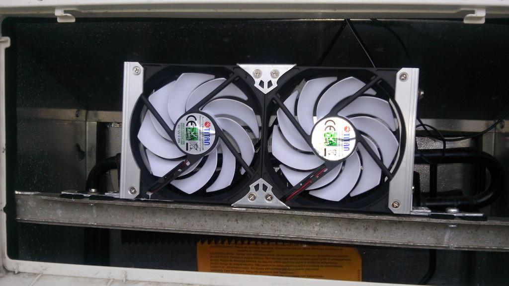 Kühlschrank Aufbau Hinten : Fragen zum einbau kühlschrank lüfter wohnmobil forum seite