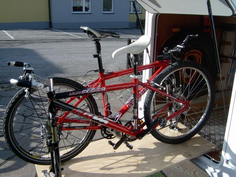 fahrradtr ger in der heckgarage wohnmobil forum seite 1. Black Bedroom Furniture Sets. Home Design Ideas