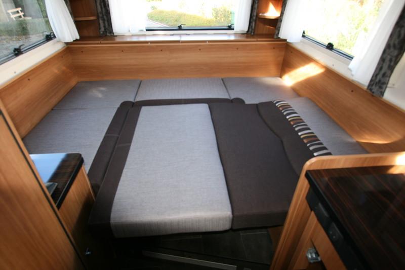 campingbus bett selber bauen vw caddy bett ausbau. Black Bedroom Furniture Sets. Home Design Ideas