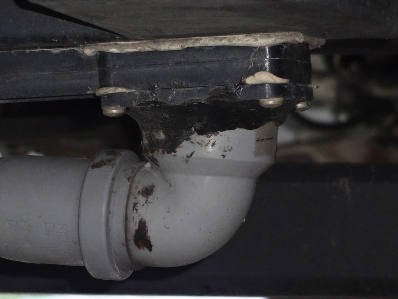 Wohnmobil Dusche Einbauen : Schlauchanschluss Abwassertank - Wohnmobil ...