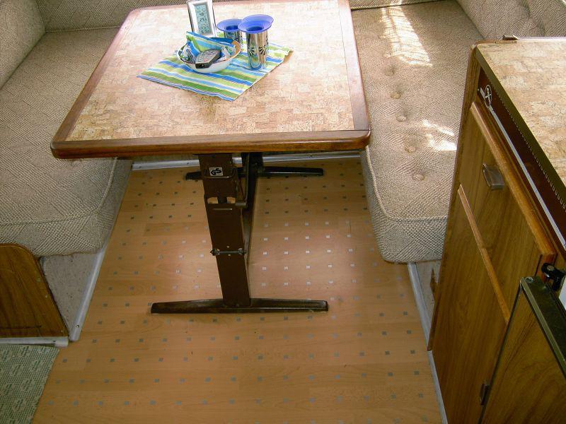 zeigt her euren tisch oder was habt ihr so drauf wohnmobil forum seite 1. Black Bedroom Furniture Sets. Home Design Ideas