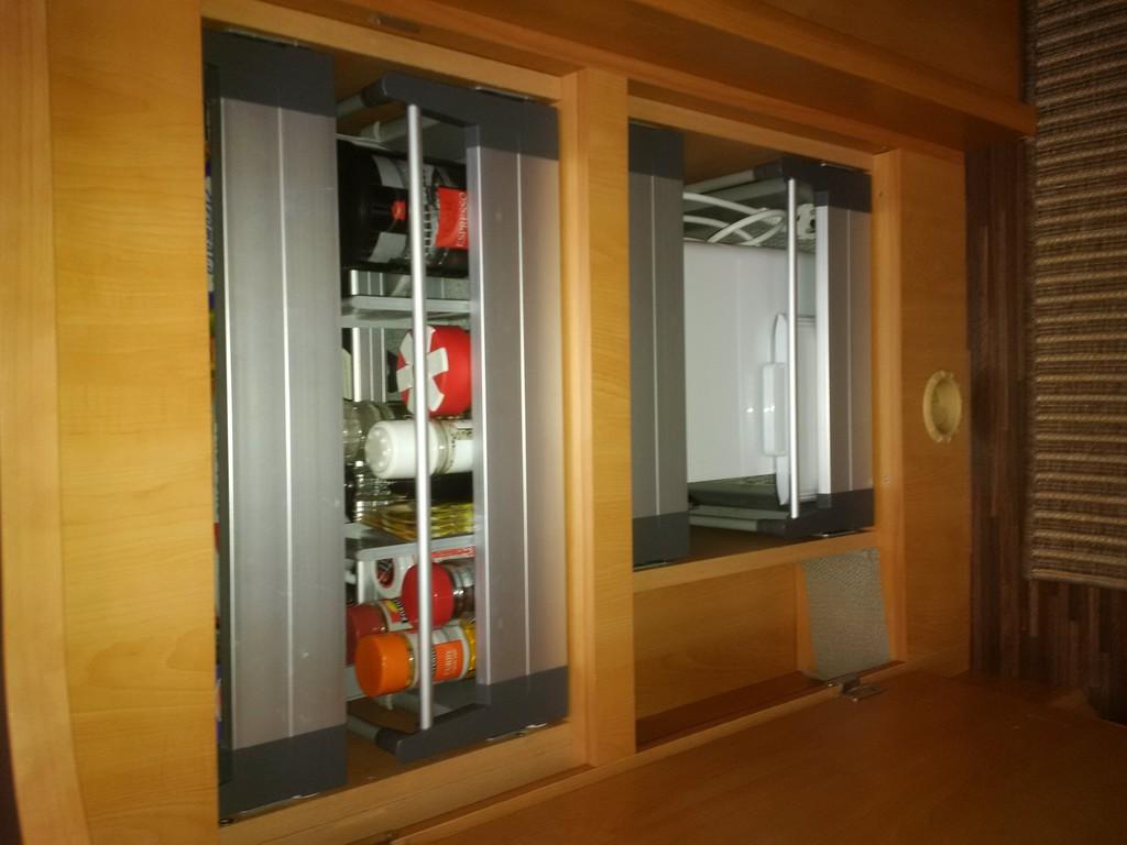 Einbau von 4 auszügen in küchenunterschrank carado t449 ...