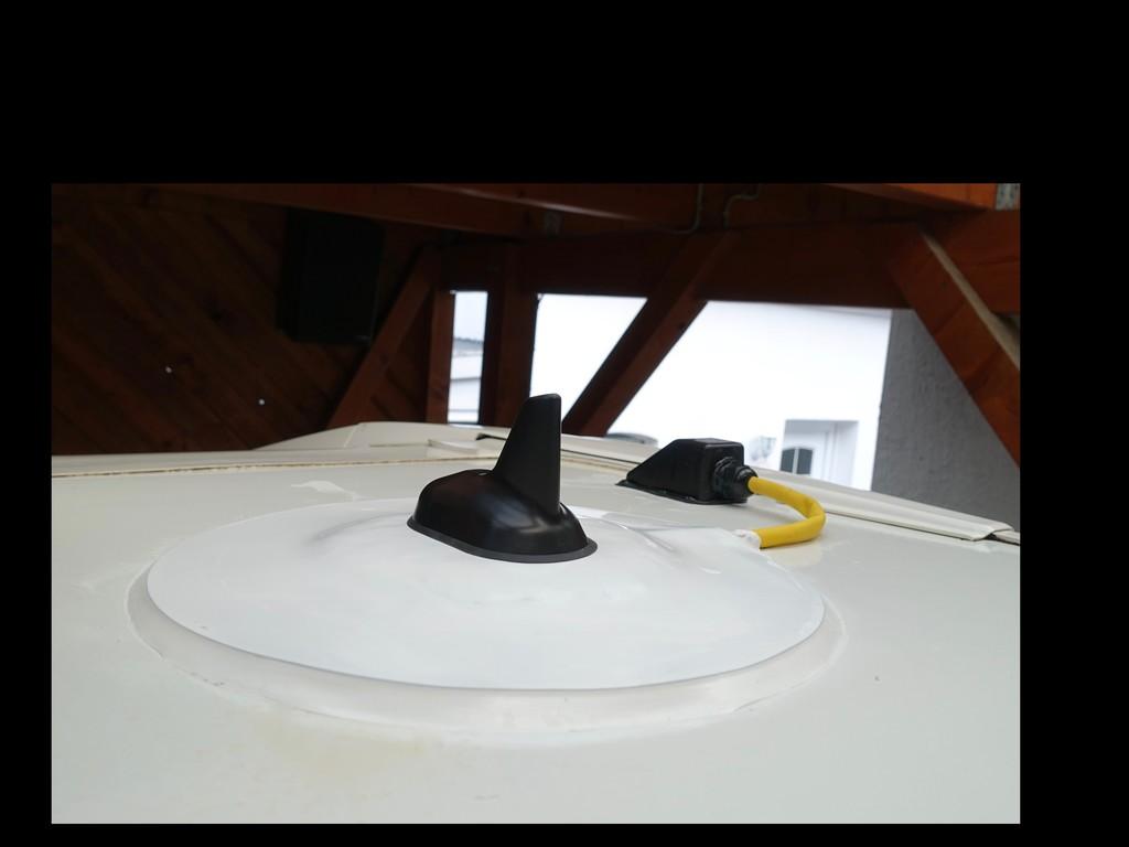 welche antenne hinter gfk verwenden wohnmobil forum seite 1. Black Bedroom Furniture Sets. Home Design Ideas