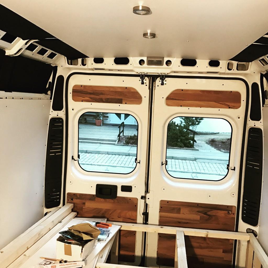 decke streichen welche richtung decke streichen ohne. Black Bedroom Furniture Sets. Home Design Ideas