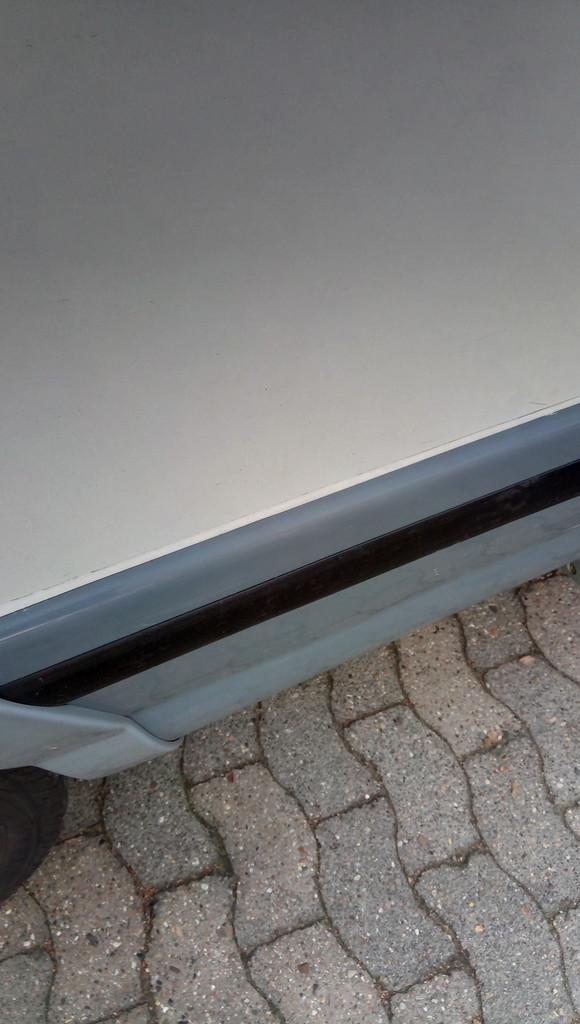 chausson wohnmobil desastr se detaill sungen wohnmobil. Black Bedroom Furniture Sets. Home Design Ideas