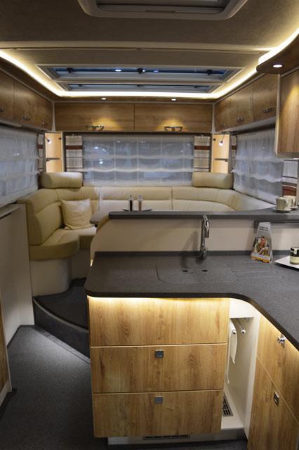 led streifen indirekte beleuchtung horizontal. Black Bedroom Furniture Sets. Home Design Ideas