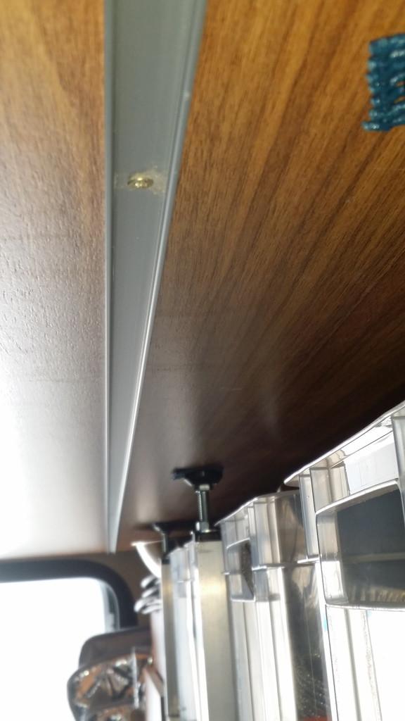 einbau neue led beleuchtung in der heckgarage wohnmobil forum seite 1. Black Bedroom Furniture Sets. Home Design Ideas