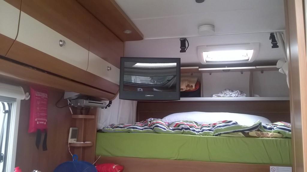 tv halterung zum wandanbau und zum herausziehen wohnmobil forum seite 1. Black Bedroom Furniture Sets. Home Design Ideas