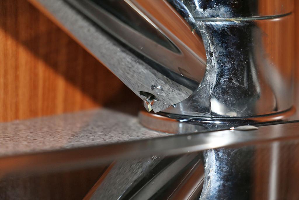 globescout 2014 wasserhahn k che tropft aus bohrung wohnmobil forum seite 1. Black Bedroom Furniture Sets. Home Design Ideas
