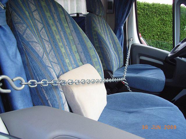 sicherheitsmassnahmen gegen einbruch am kastenwagen wohnmobil forum seite 1. Black Bedroom Furniture Sets. Home Design Ideas