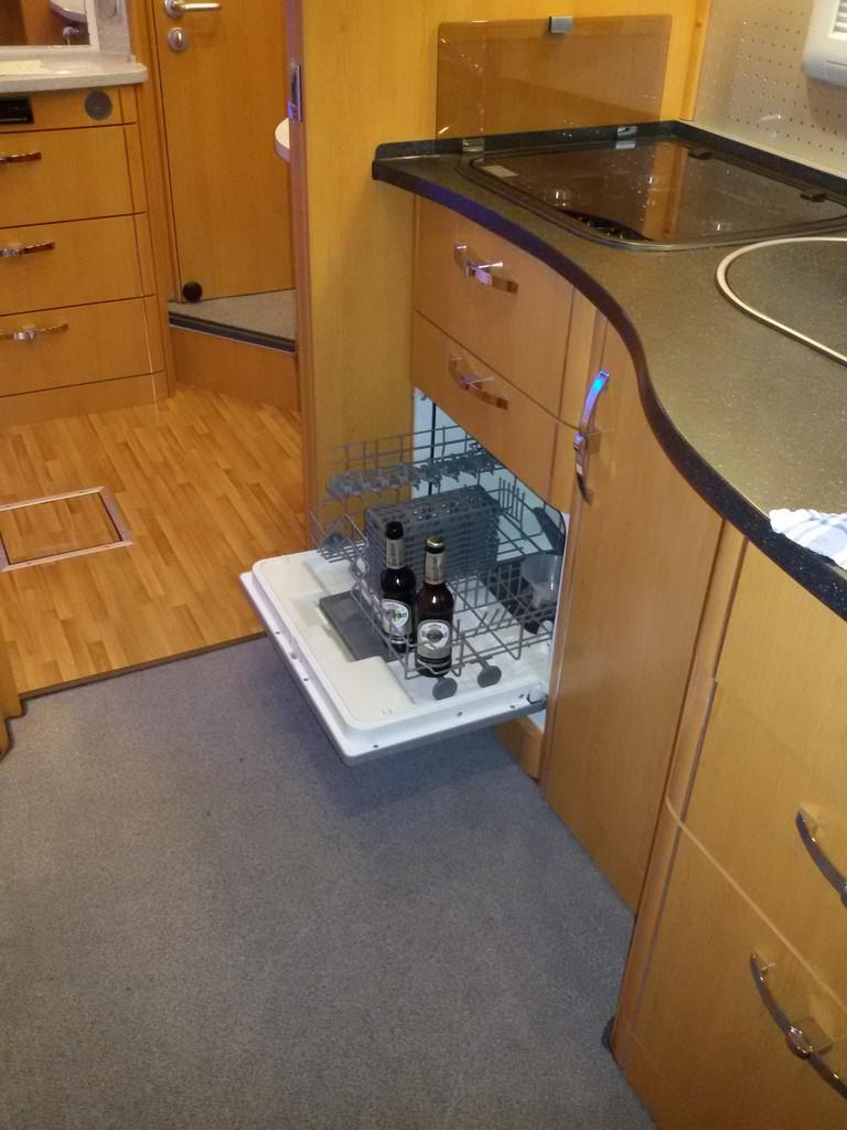 Beliebt wer nutzt einen Geschirrspüler im Womo? - Wohnmobil Forum Seite 3 KC94