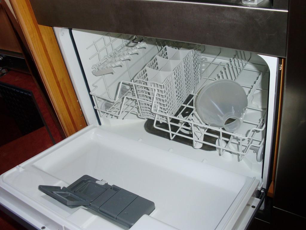 wer nutzt einen geschirrsp ler im womo wohnmobil forum seite 4. Black Bedroom Furniture Sets. Home Design Ideas
