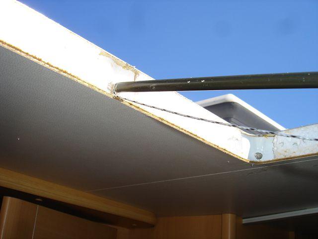 bilderserie zusatzschloss und dach klimager t einbau wohnmobil forum. Black Bedroom Furniture Sets. Home Design Ideas