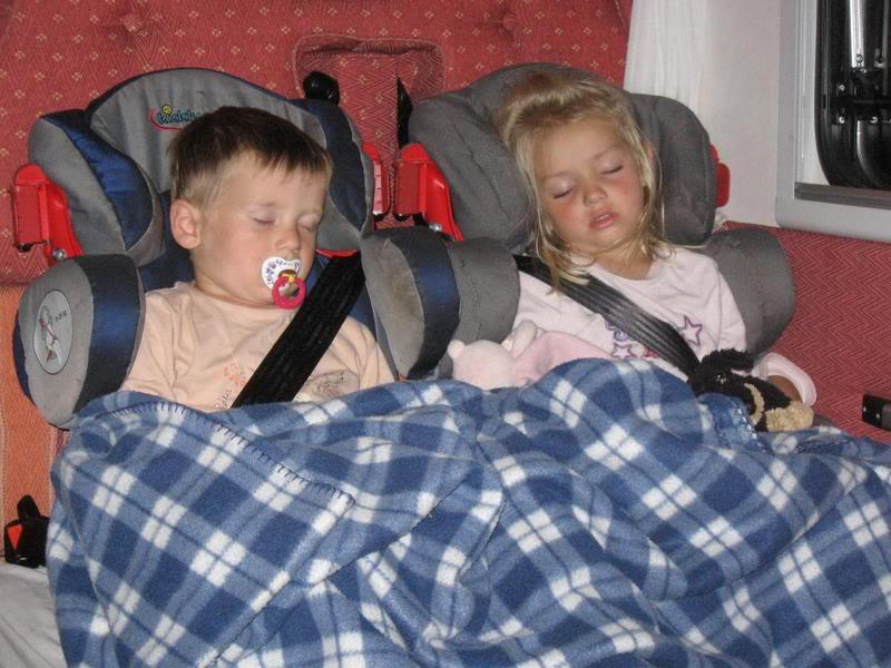 kleinkinder wie gesch tzt im wohnmobil wohnmobil forum. Black Bedroom Furniture Sets. Home Design Ideas