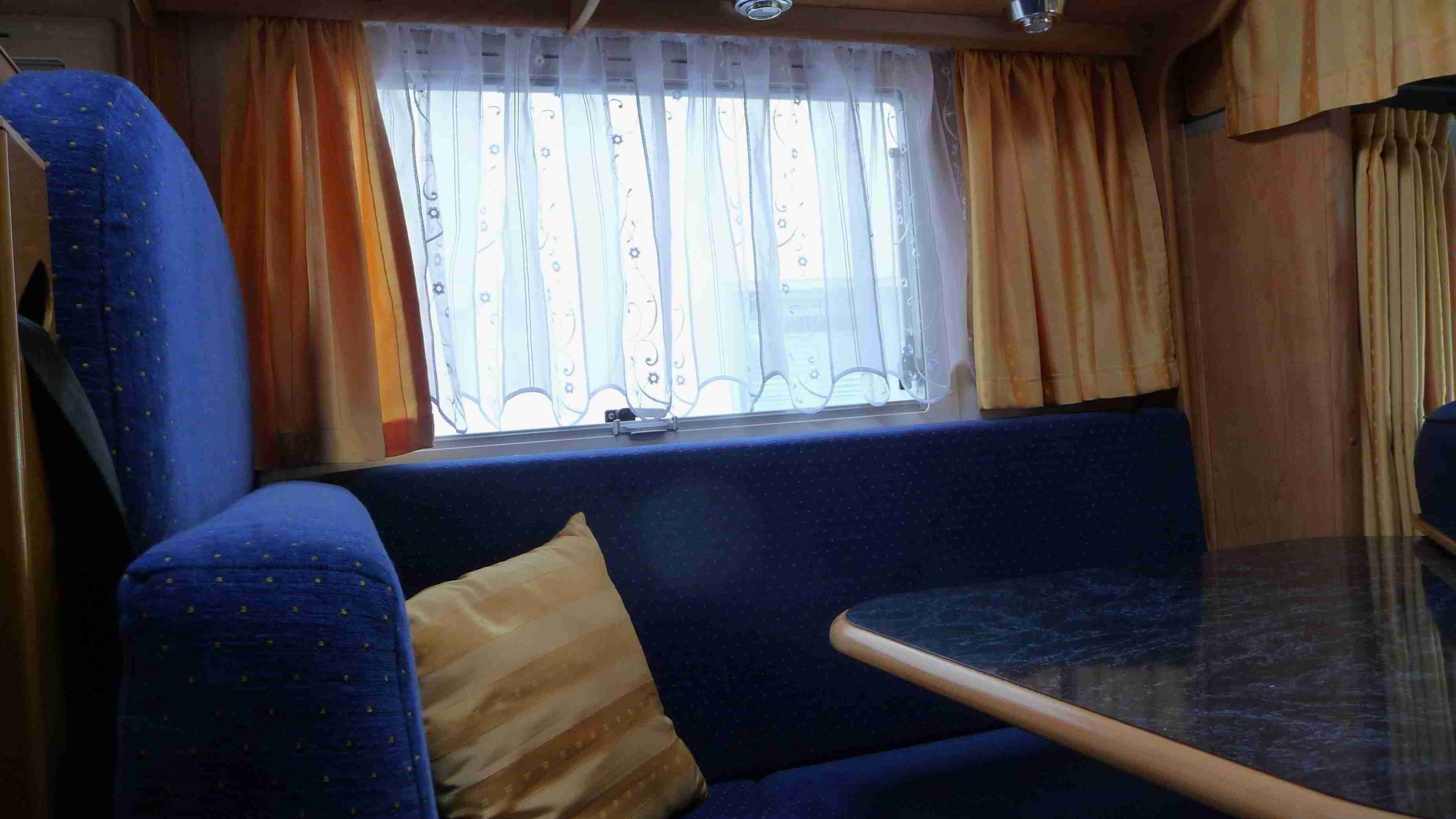 gardinen im womo wohnmobil forum. Black Bedroom Furniture Sets. Home Design Ideas