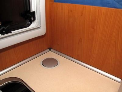 einbau einer zweiten 220 volt steckdose wohnmobil forum. Black Bedroom Furniture Sets. Home Design Ideas