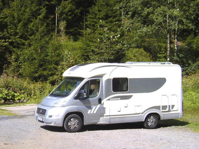 Steckdose R?ckwand Dusche : ADRIA COMPACT S 590 SP Adria Coral Compact Teilintegrierter 2 (3